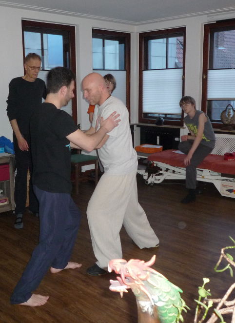 Selbstverteidigungskurs und Seminare in Bremen: Heilkundezentrum Midgard